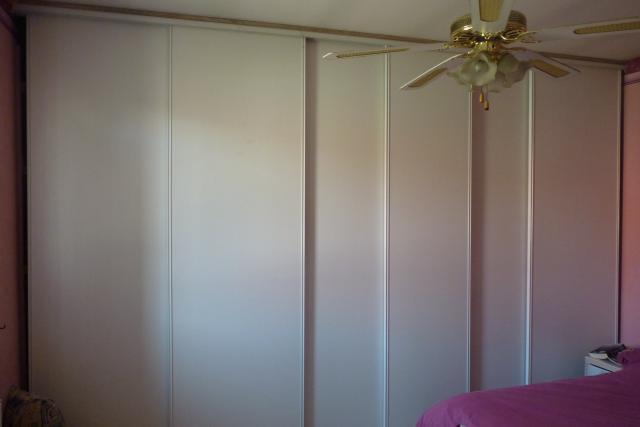 Peindre des portes de placards 894718maison003