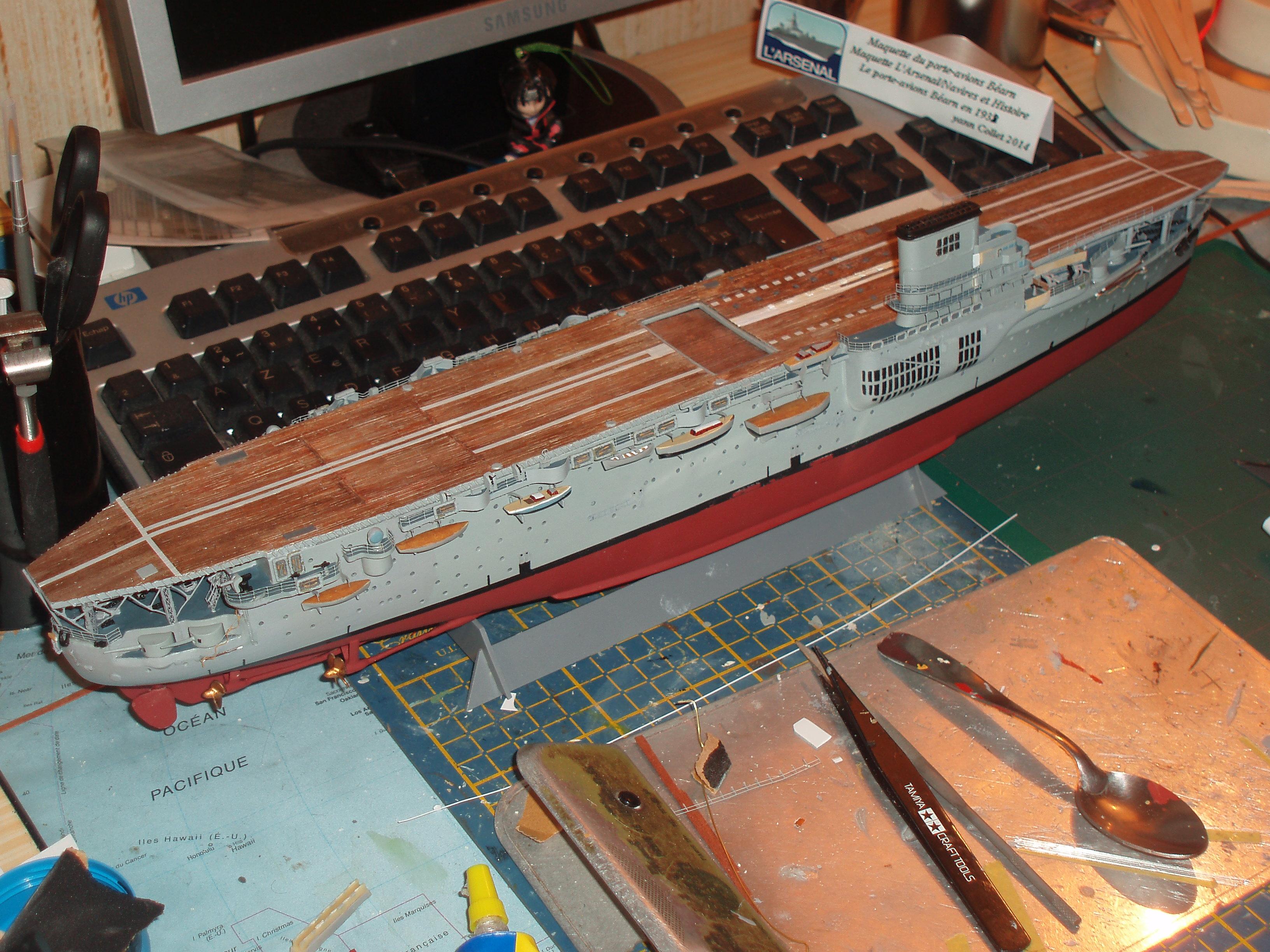 Le porte avions BEARN de l' ARSENAL - Page 2 896321P4170249