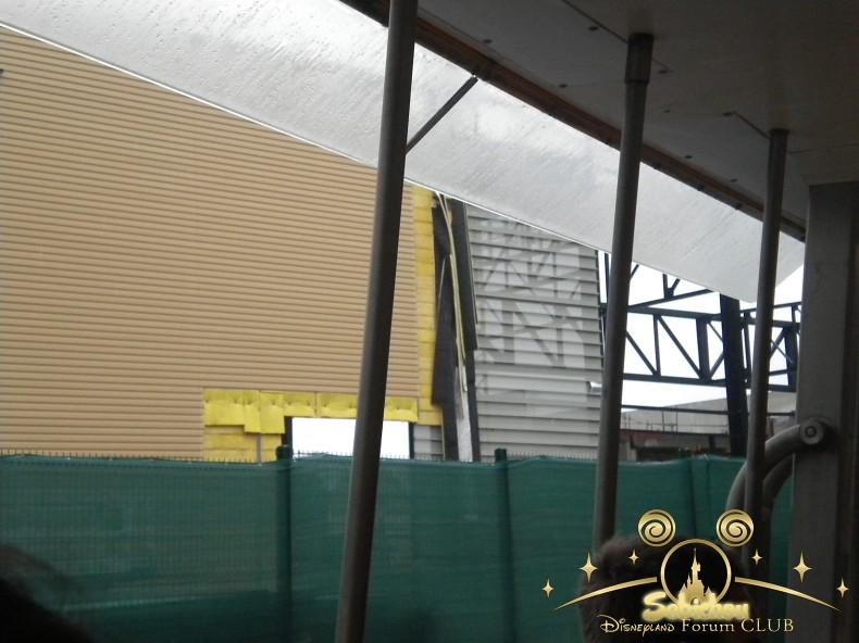 Construction du Dark Ride Ratatouille pour 2014 - Page 40 899386DSCN9973border