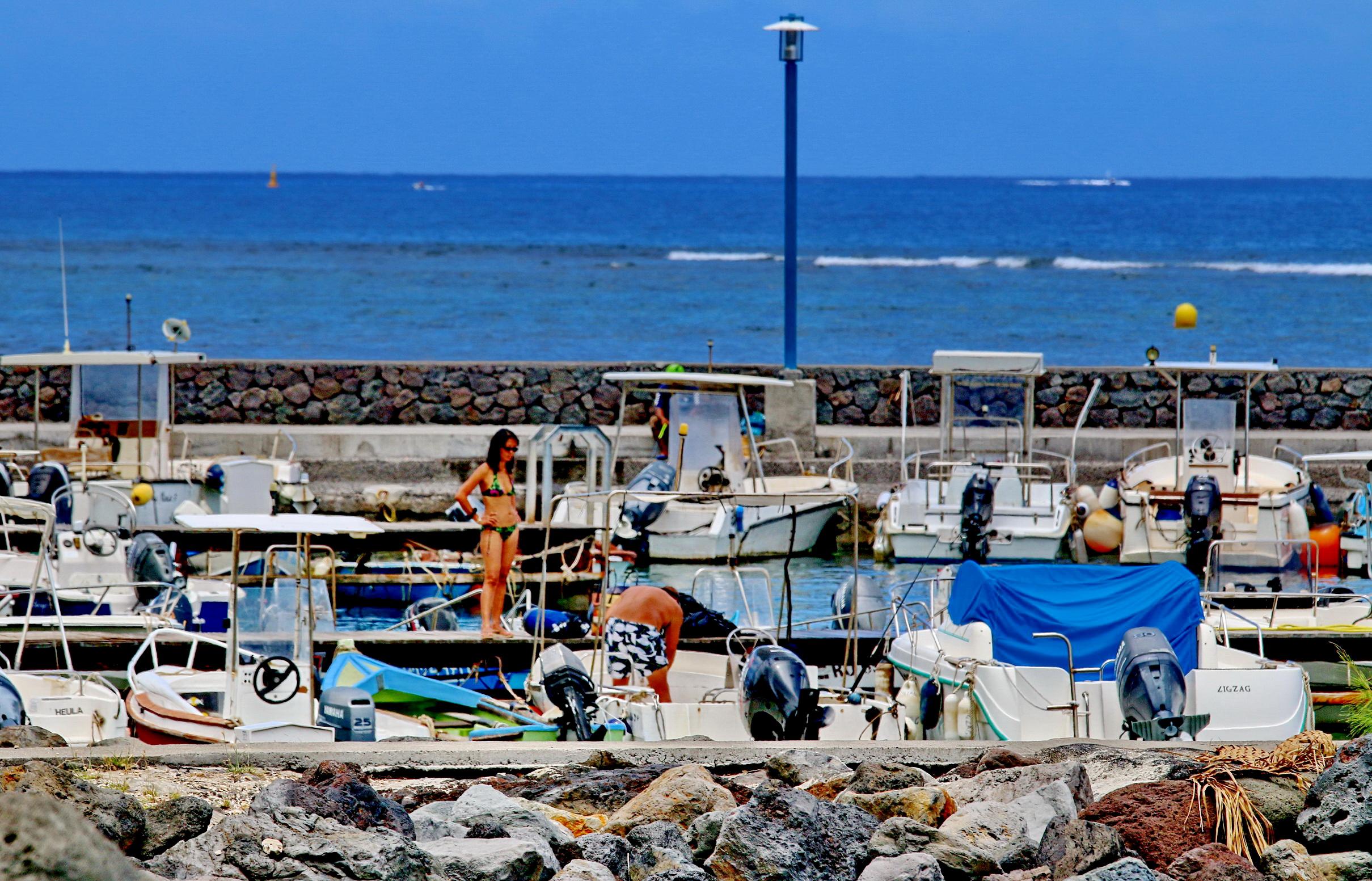 [Vie des ports] Les ports de la Réunion - Page 4 901204stpierrestleu70d061