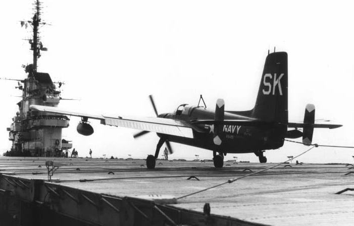 GRUMMAN AF-2 GUARDIAN  906138GrummanAF2SGuardianUSSEssex1952