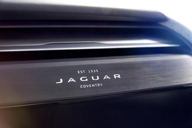 Jaguar Dévoile Le Concept I-PACE : Le SUV Électrique Performant 907614jaguaripaceconceptstudiointeriordetail05resize1024x682