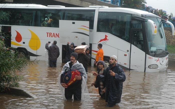 ما لم تشاهدوه من فيضانات العاصمة الأقتصادية 9084907713746495299144354883144357354654293922njpg