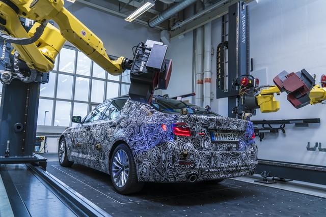 La future BMW Série 5 virtuelle  909973P90228101highResfullyautomatedopti