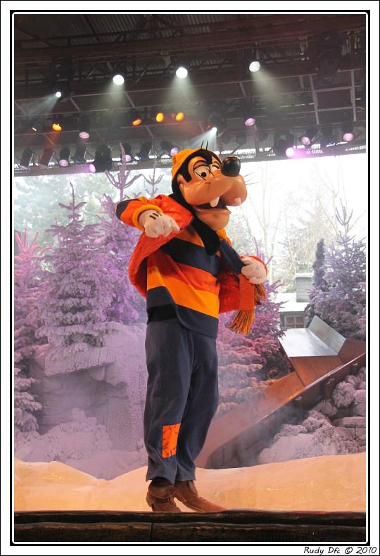 Spectacle Mickey et la magie de l'hiver - Page 3 915517IMG0714border