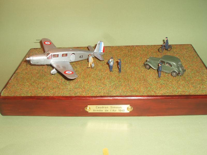 Diorama Caudron Simoun Armée de l'Air! 916317P1010326