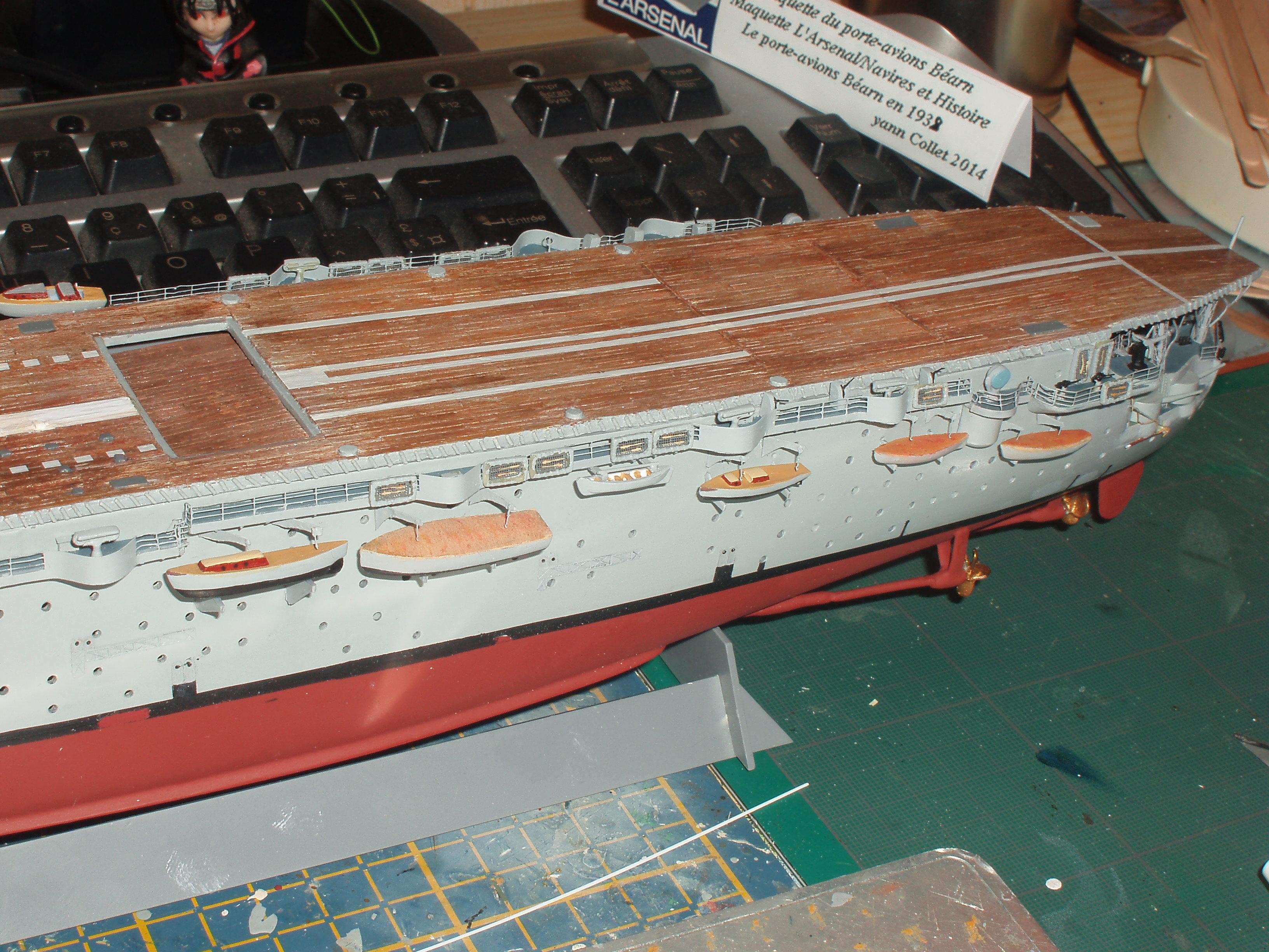 Le porte avions BEARN de l' ARSENAL - Page 2 919220P4170260