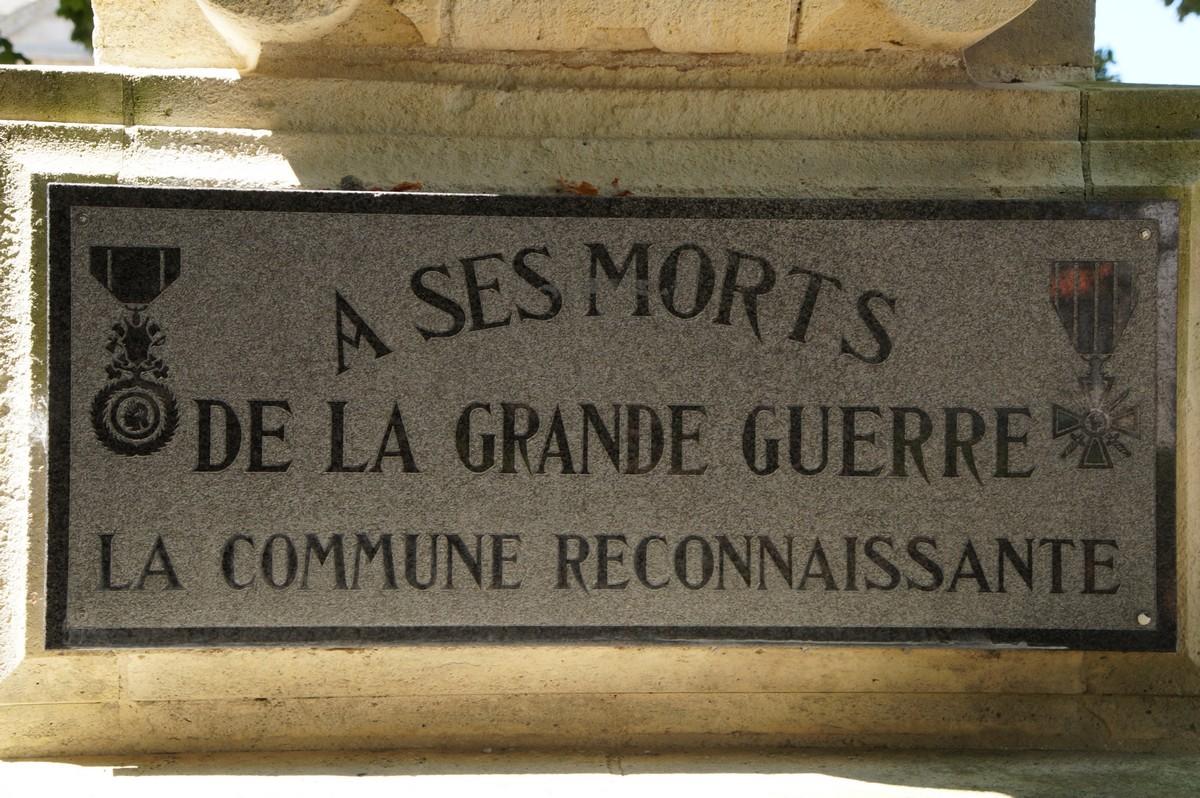 [Histoires et Histoire] Monuments aux morts originaux Français Tome 1 - Page 40 919585DSC06879