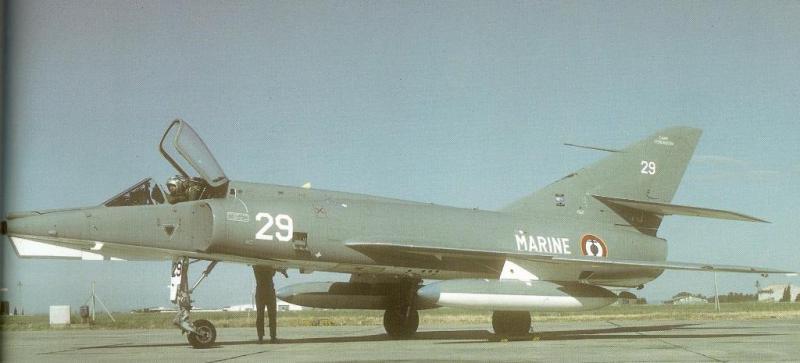 MCDONNELL-DOUGLAS F/A-18 HORNET  923437Etendard_IVM