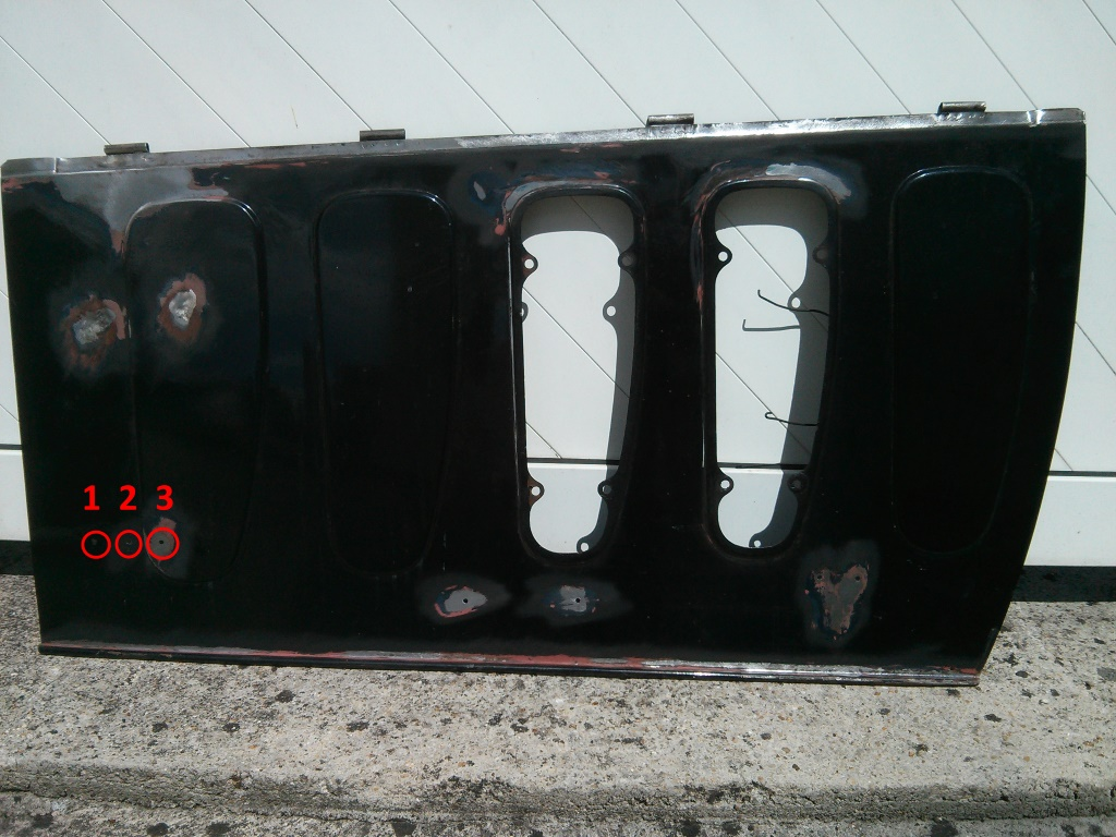 pattes sur capot pour attaches capot 301c de 1932 923450IMG20114841