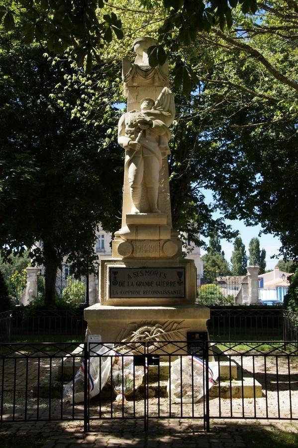 [Histoires et Histoire] Monuments aux morts originaux Français Tome 1 - Page 40 924603DSC06877