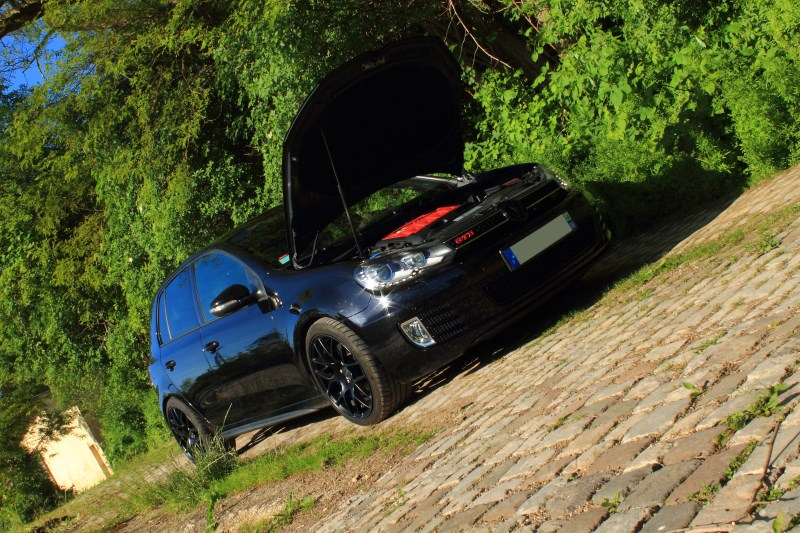 Golf 6 Gtd black - 2011 - 220 hp - Shooting p13 et insignes Piano Black p25 - Page 27 926443IMG2279bis