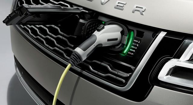 Le Nouveau Range Rover intègre dans sa gamme une motorisation essence hybride rechargeable 926704rr18myphevlwbdetail10101702
