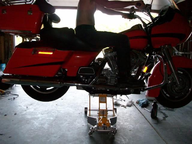 A qui est cette moto ? 930721onthebike