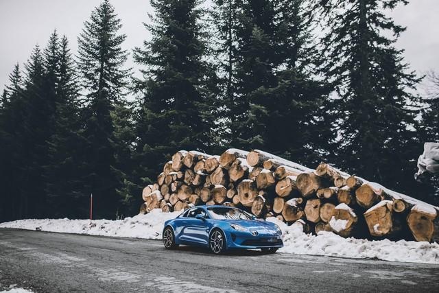 Alpine est de retour - A110, la voiture de sport française agile et compacte 9312258831116
