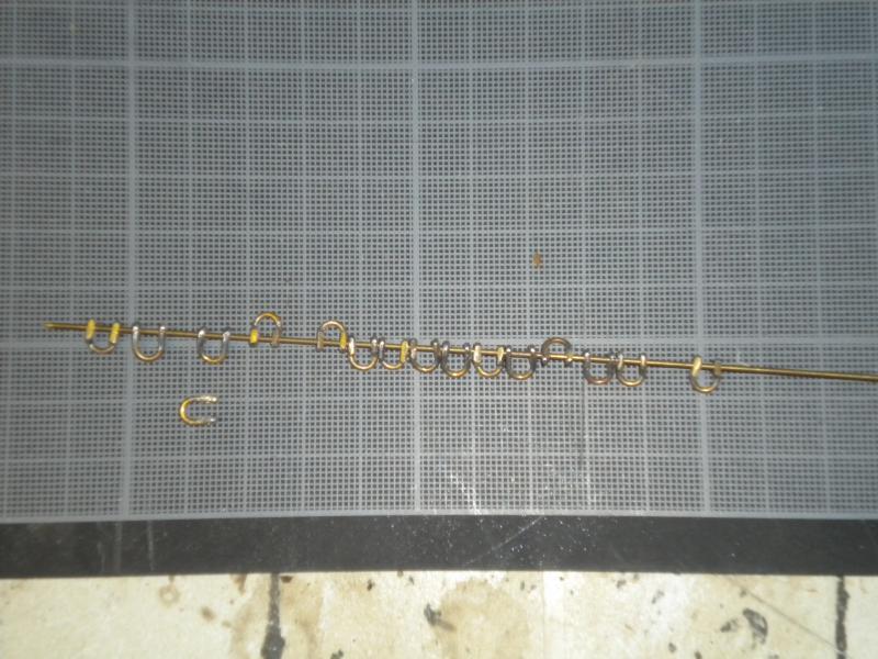 barque chalutiére au 1/20è d'après plans - Page 5 934357DSCN2368