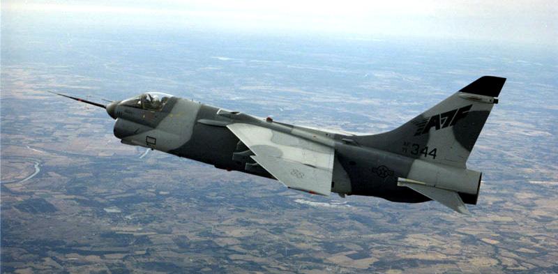 MCDONNELL-DOUGLAS F/A-18 HORNET  935960YA_7F_Strikefigther