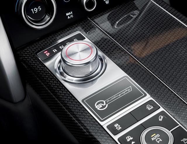 Le Nouveau Range Rover intègre dans sa gamme une motorisation essence hybride rechargeable 940014rrsvautobiographydynamicinterior2