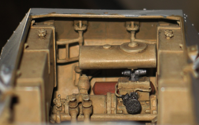 sd.kfz 251/16 flammpanzerwagen  Dragon 1/35 - Page 2 941569modles110014