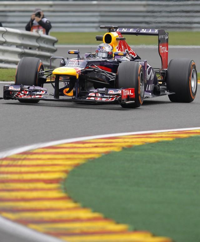 F1 GP de Belgique 2013 : (essais libres-1-2-3-Qualifications) 9415762013gpdebelgiqueSebastianVettel