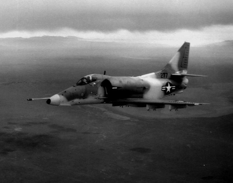 DOUGLAS A-4 SKYHAWK [NOUVELLE VERSION] 941836DouglasA4HSkyhawk2
