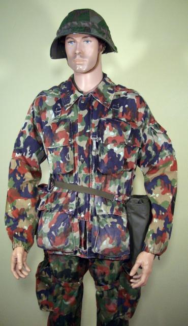Quelques tenues sur mannequin - Page 2 941858IMGP0001