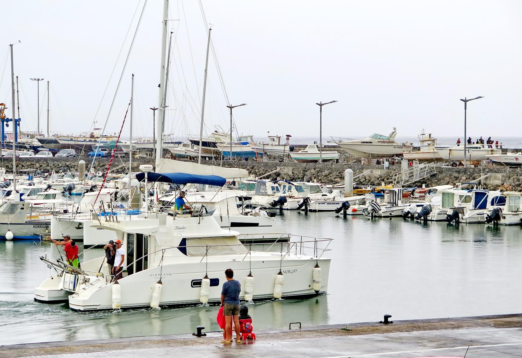 [Vie des ports] Les ports de la Réunion - Page 2 942795saintpierre015