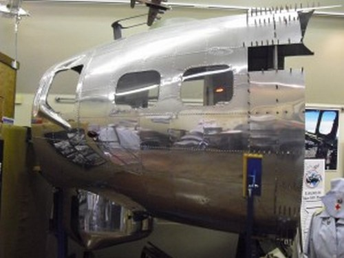 """l'histoire du B-17G 44-85790 le """"Lacey Lady"""" 949957CIMG2258300x225"""