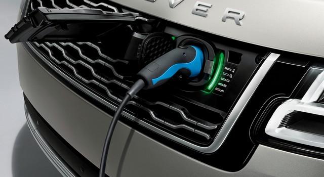 Le Nouveau Range Rover intègre dans sa gamme une motorisation essence hybride rechargeable 951403rr18myphevlwbdetail10101703