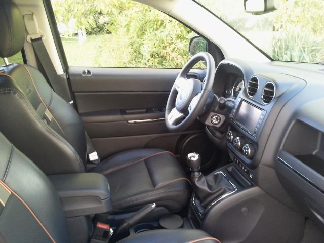 Présentation de notre Jeep Compass 70th Anniversaire ! 95235520110908185328