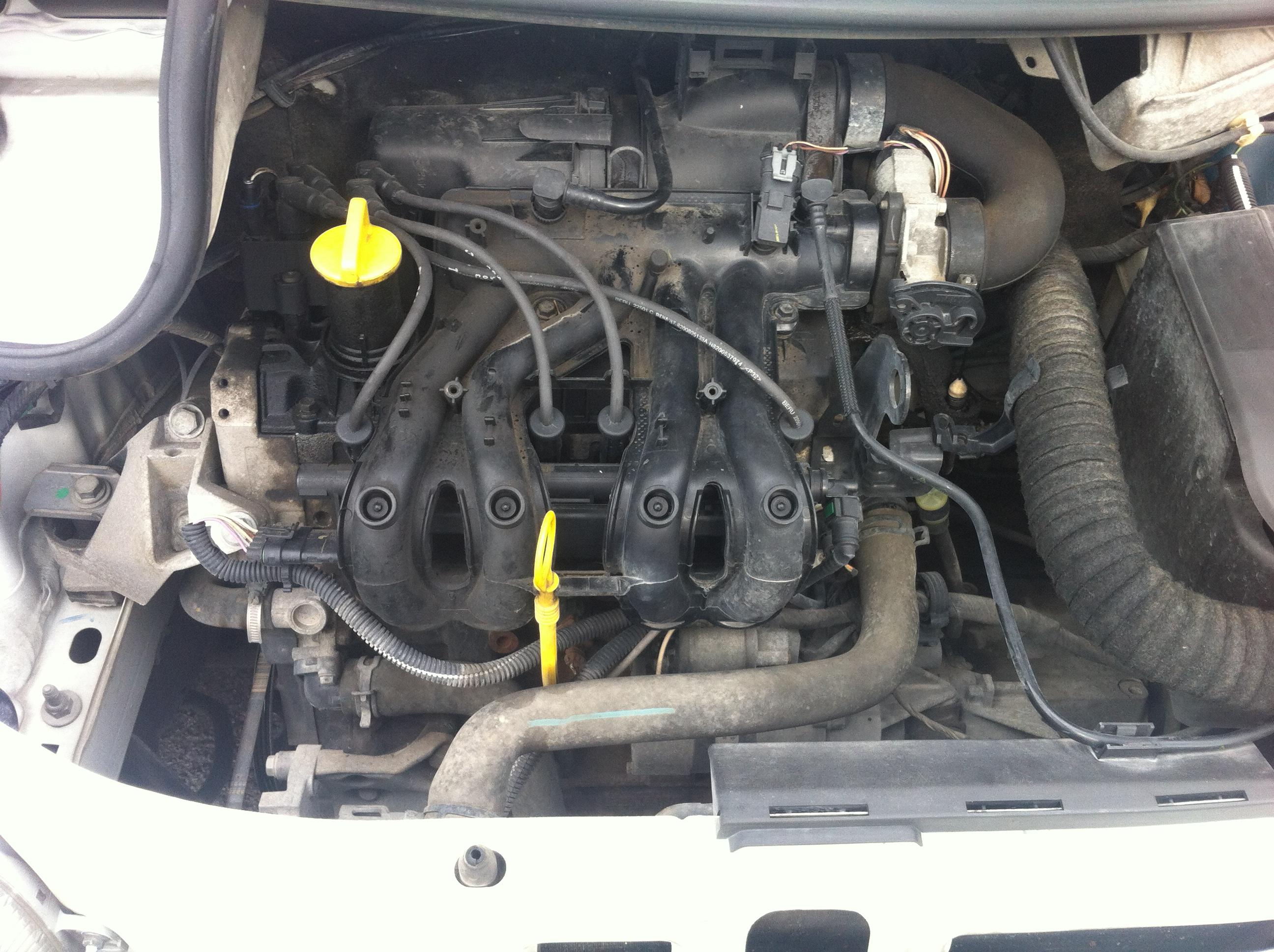 [ Renault twingo 1.2 ess an 2005 ] Perte de puissance moteur qui vibre 953617IMG1715
