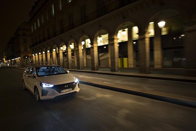 Hyundai IONIQ électrise la toile avec « l'After Electro Electric » 954460makingoff07