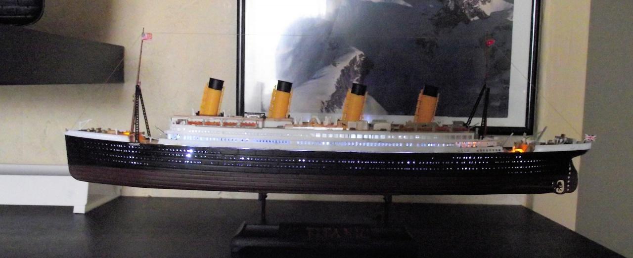 Titanic Academy au 1x700 avec leds 955286TitanicAcademy25