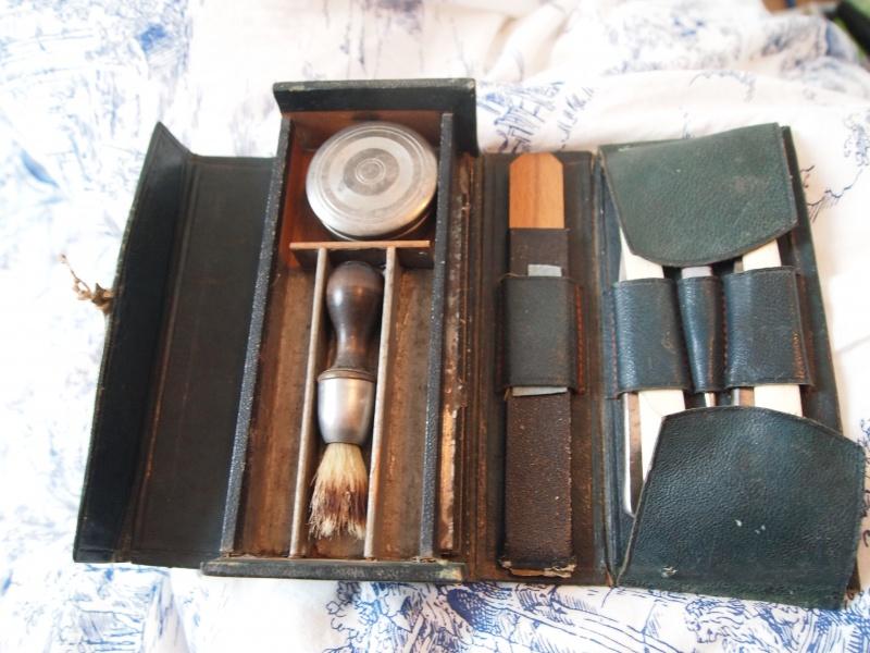 kit de voyage ancien de marque M.G. Paris 958668P1171460