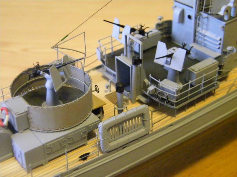 Chasseur de sous-marin CH 123 au 1/100e sur plan 9588941001746
