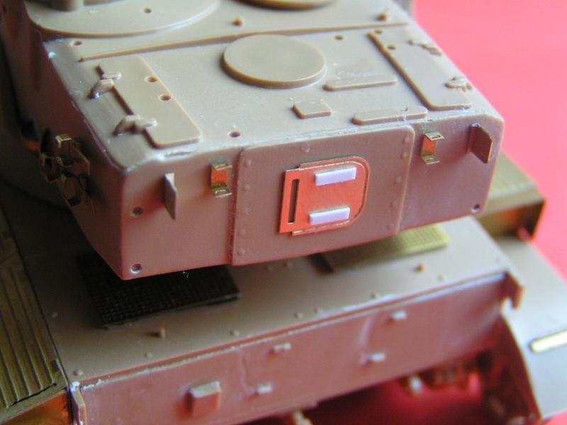 Conversion et détaillage de l'AMX 13/75 de HELLER au 35ème 959368PICT0025