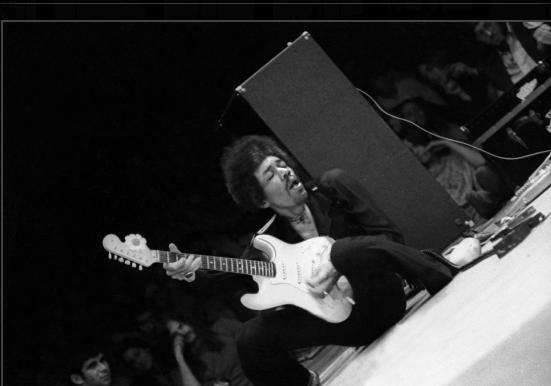 Framingham (Carousel Theater) : 25 août 1968  [Premier concert] 960912BBBB