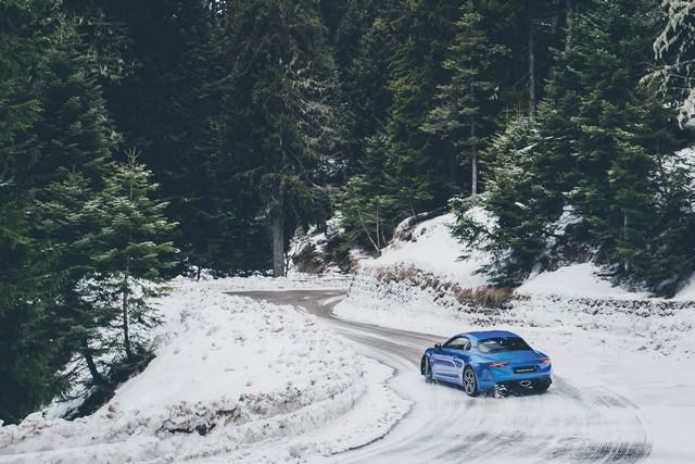 Alpine est de retour - A110, la voiture de sport française agile et compacte 9633748831816