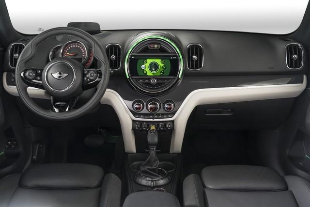 Agile, polyvalent, électrisant : le MINI Cooper S E Countryman ALL4 969035P90240755highResminicoopersecoun
