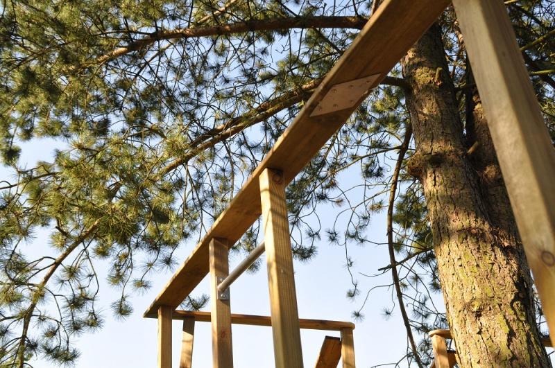 Projet de toboggant pour la cabane dans les arbres de mon fils, vos idées? - Page 3 969191Cabane23