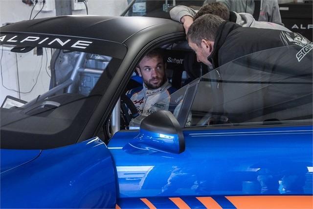 Alpine A110 Cup : une authentique voiture de course, taillée pour les plus grands circuits européens 975609211987152017AlpineA110Cup