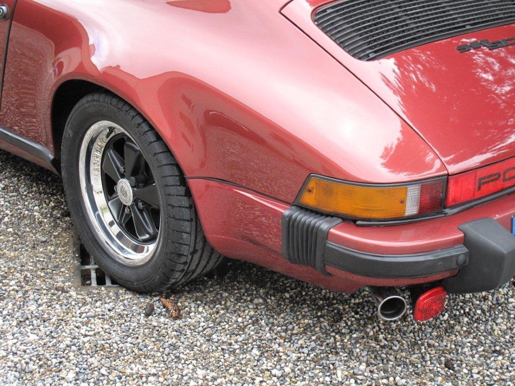 Renovation complete jantes Fuchs de 911 / 2.4 E  - Page 2 980639IMG5038