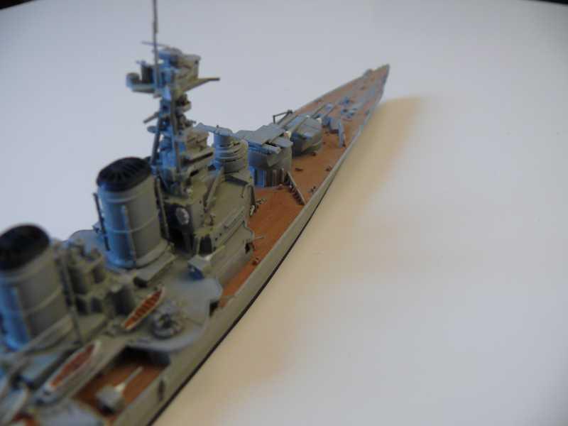 HMS Hood 1/700 Trumpeter 981490P1080025