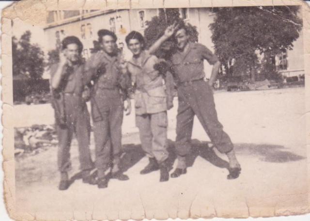 Recherches d'informations sur Bernard SENUT engagé au 1 er Bataillon De Choc 983391DijoncaserneVailant