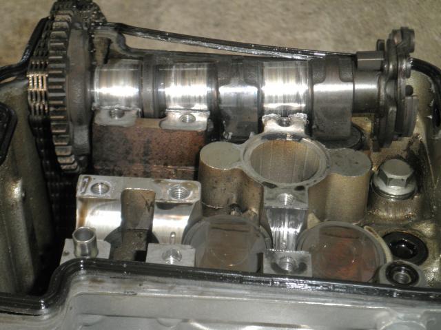 Cherche haut moteur klx 650 984023020614