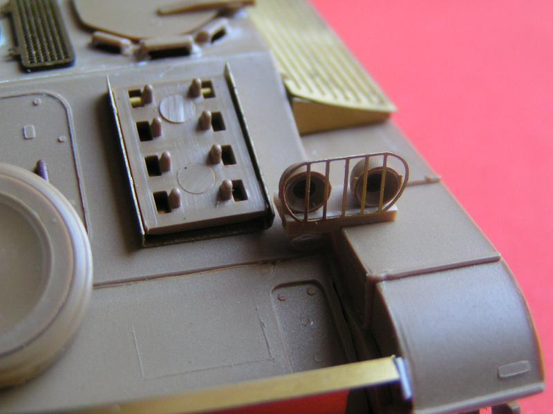 Conversion et détaillage de l'AMX 13/75 de HELLER au 35ème 984292PICT0027
