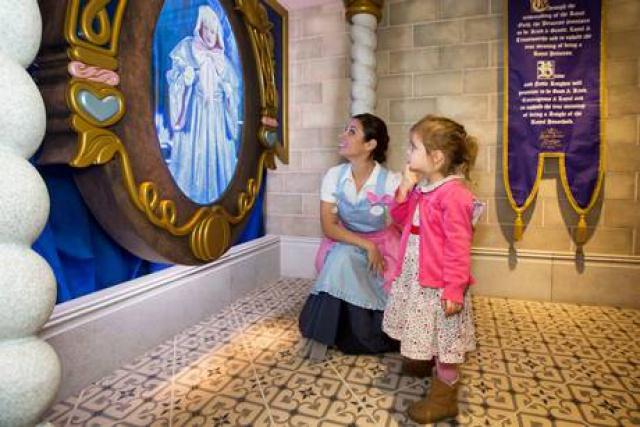 Disney at Harrods - Page 2 98761575h8