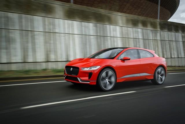 Le concept électrique Jaguar I-Pace dans les rues de Londres  987858ipacelondon003