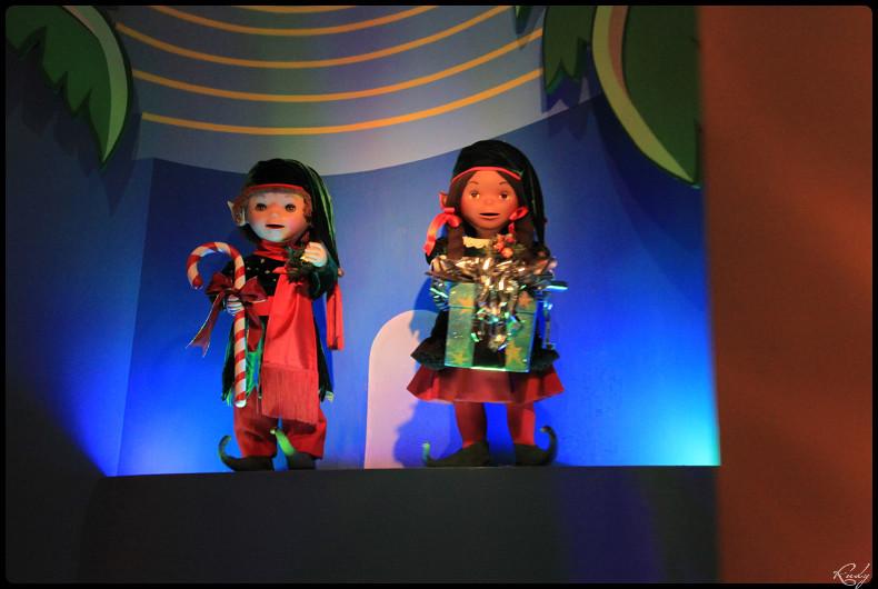 It's small world re- décoré  pour Noël - Page 5 988193IMG0521border
