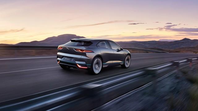 Jaguar Dévoile Le Concept I-PACE : Le SUV Électrique Performant 998341JAGUARLALocation07tcm96323118
